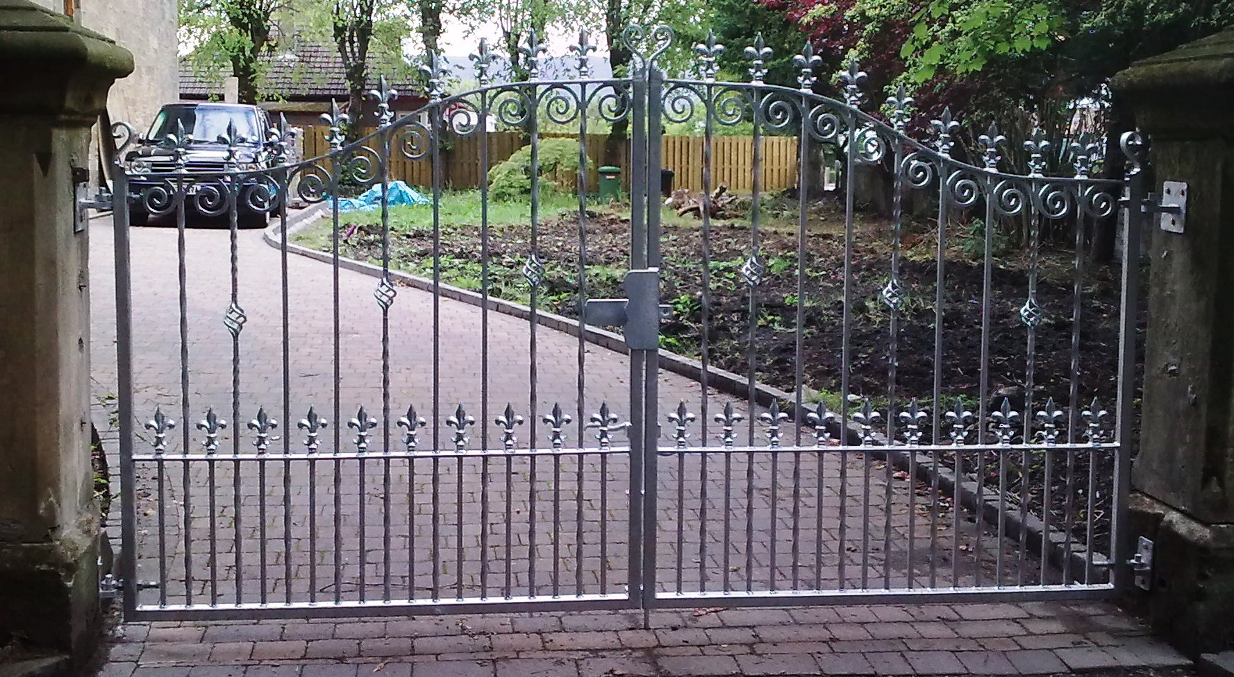 Iron gates bespoke iron gates in the midlands iron design Metal gate designs images