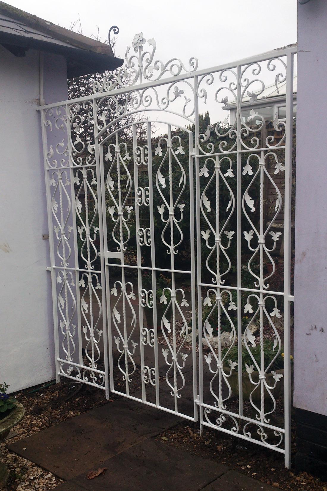 Iron Gates Bespoke Iron Gates In The Midlands Iron Design