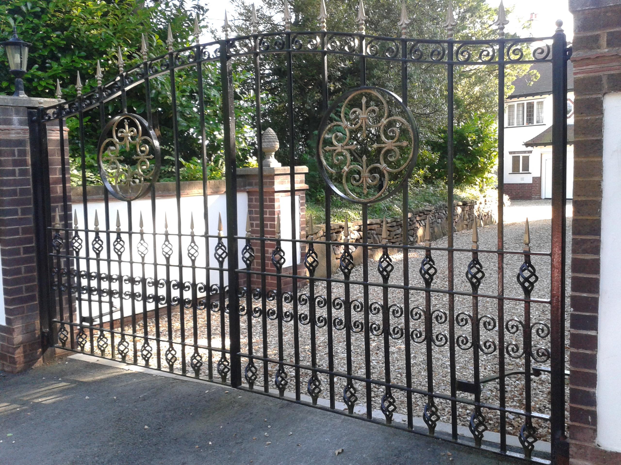 Iron Gates, Bespoke Iron Gates in the Midlands | Iron Design on Iron Get Design  id=80931