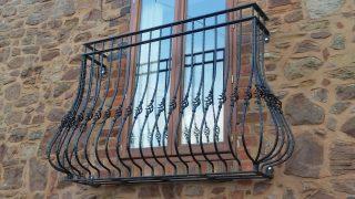 Bow Juliet balcony