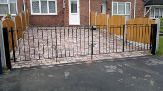 Iron gates in Frankley