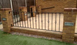Flat topped railings in Rednal